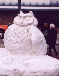 thumbnailCA39QXUD-Snow Sculpture Owl-Keene Ic & Snow Festival